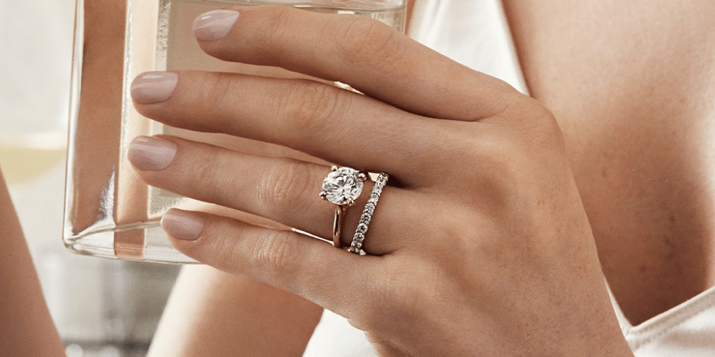 how to wear diamond ring